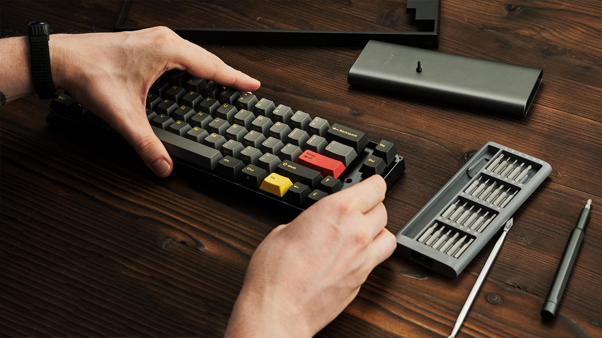 Leopold FC660M — извлечения основной части клавиатуры из корпуса